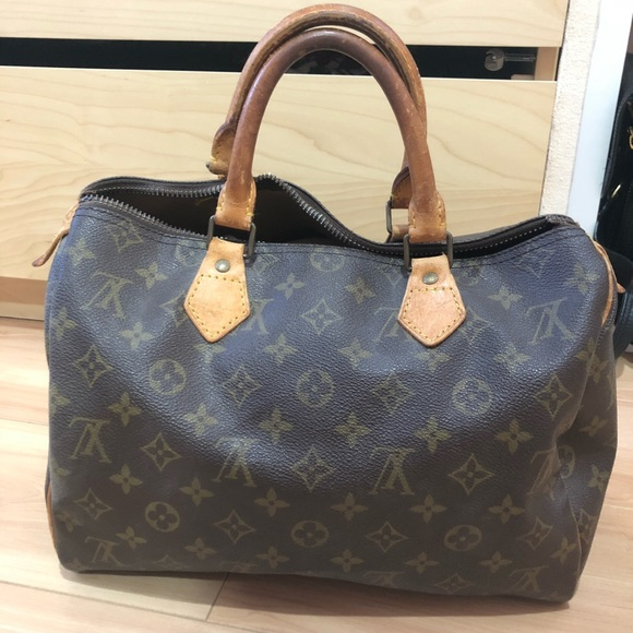 cd06dc8052bd Louis Vuitton Handbags - Authentic Vintage LV speedy 25